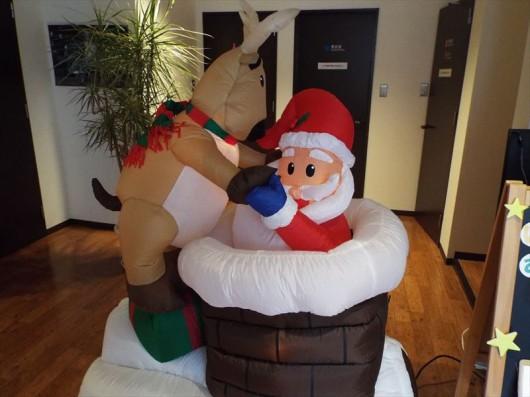 サンタさんがえんとつの中からこんにちは♪
