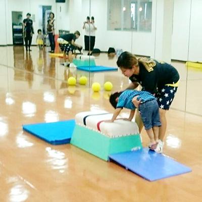 親子体操の様子